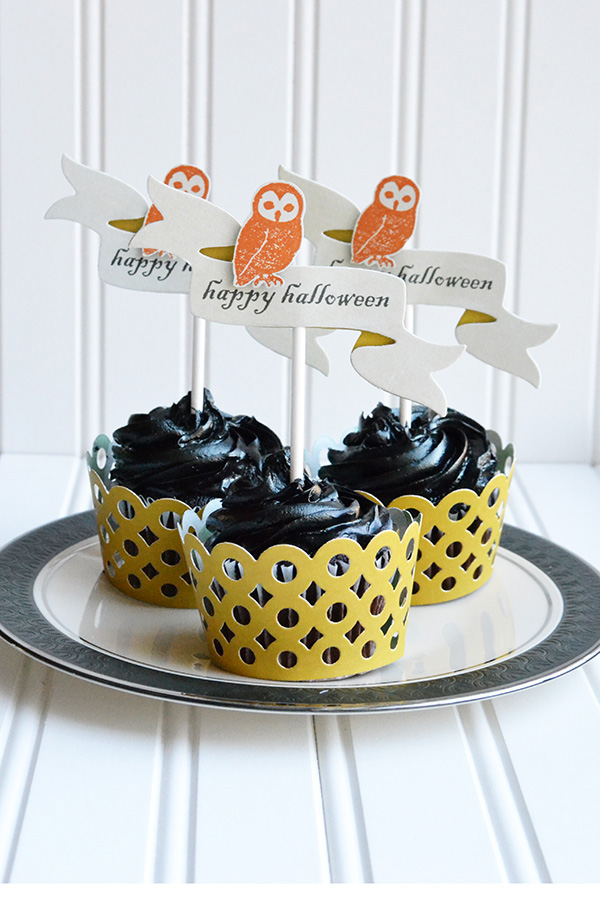 Halloween Cupcake Liners and Toppers by Aly Dosdall for We R Memory Keepers #evolutionadvanced #halloweenparty
