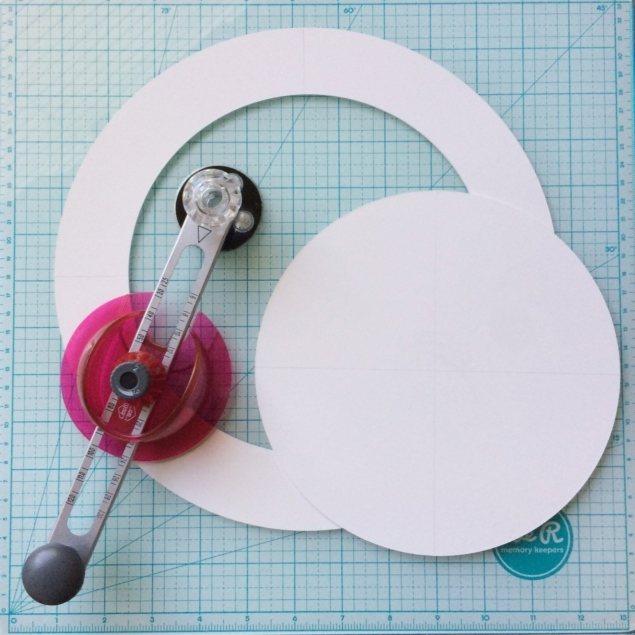 wreath base circle cutter