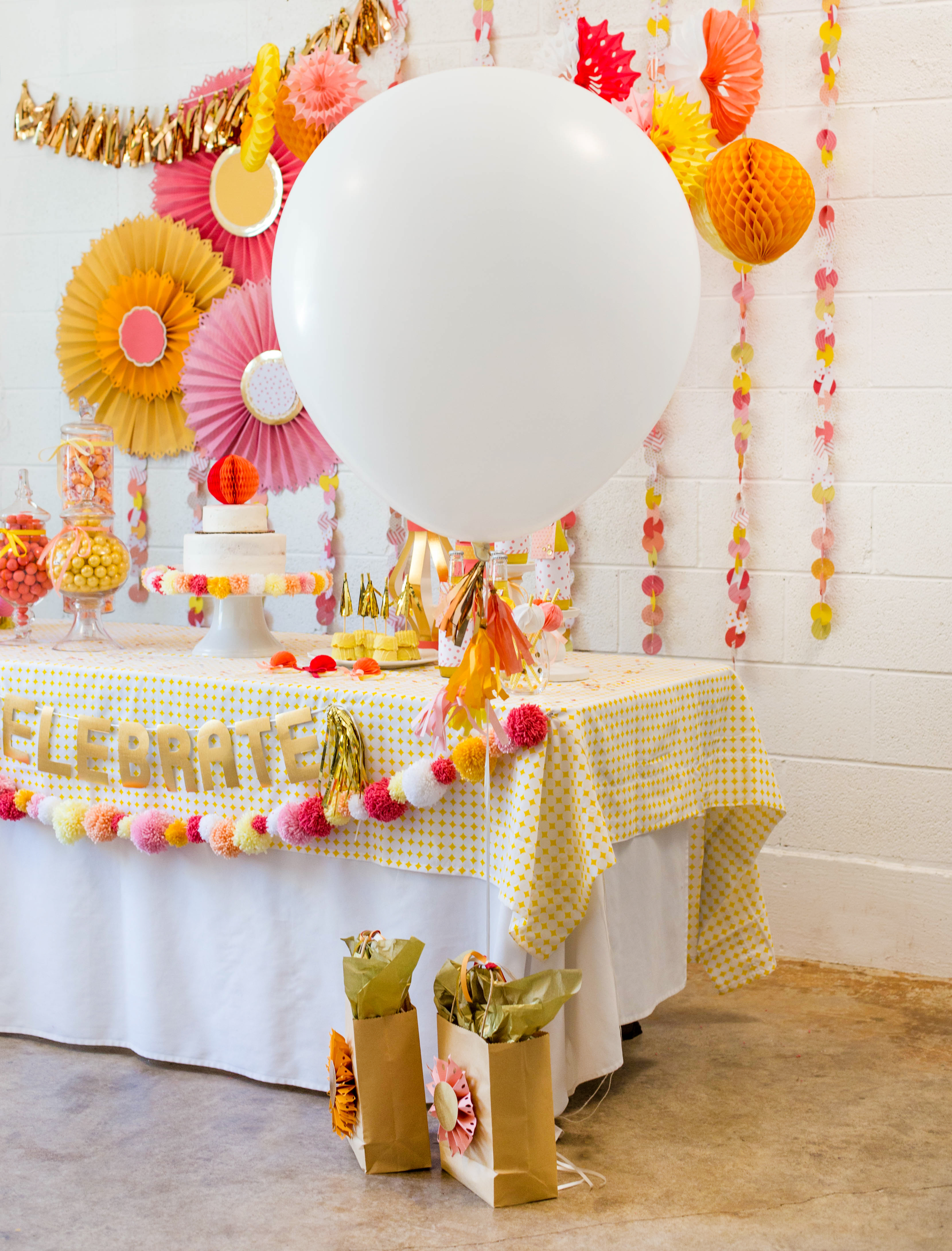 We R Memory Keepers DIY Party Collection Oversize Balloons