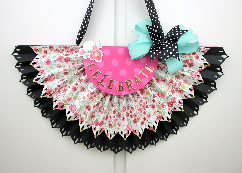 Shellye McDaniel-DIY Party Fringe Board Rosette Bunting1