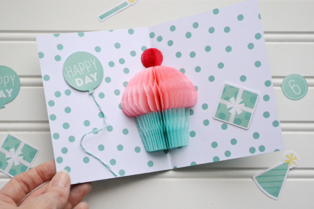 diy-party_birthday-card-by-aly-dosdall-3