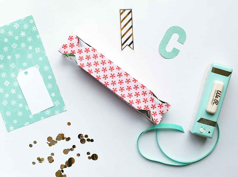 pink-and-teal-gift-wrap-by-eva-pizarro-2
