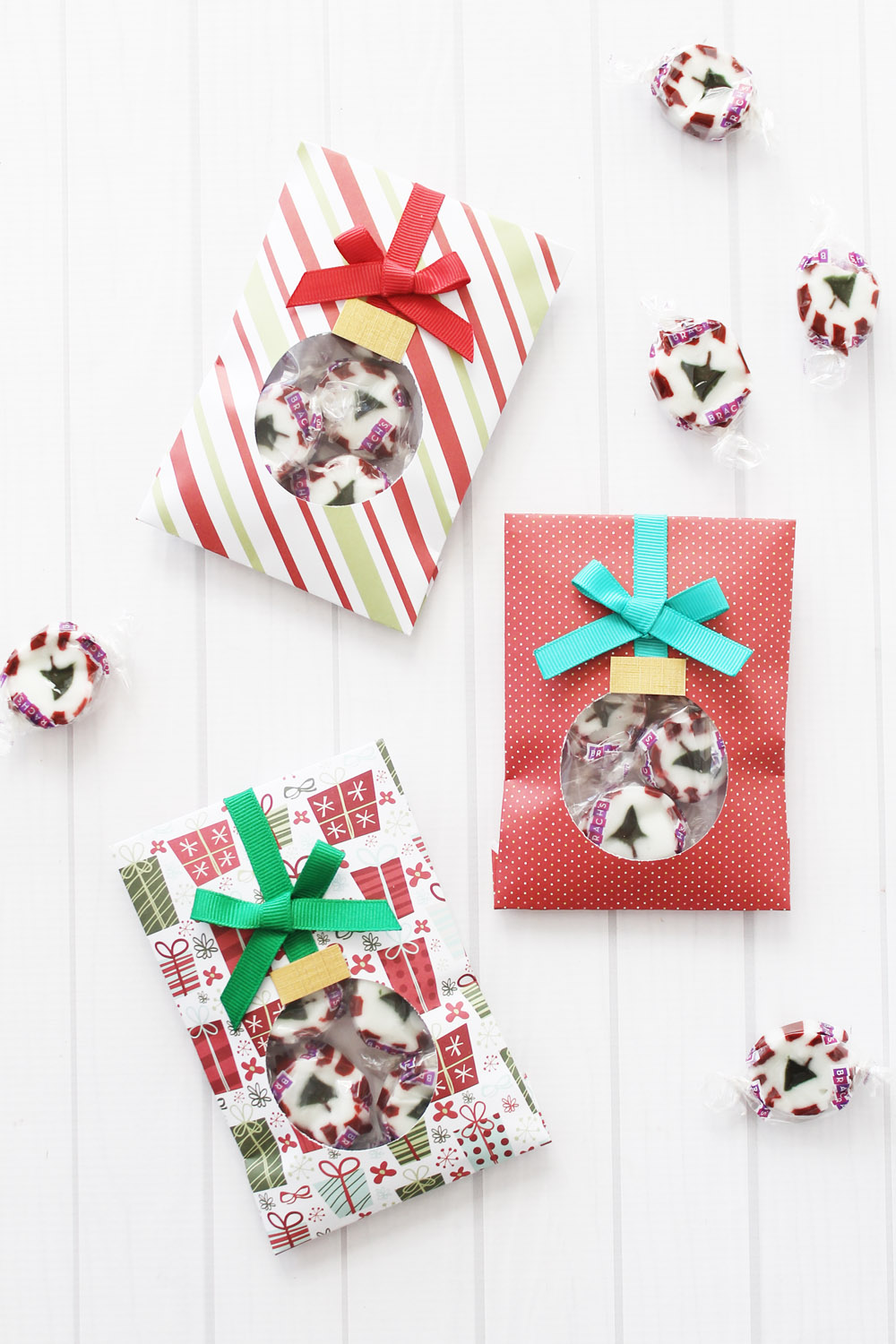 Ornament Treat Bag by Laura Silva for We R Memory Keepers