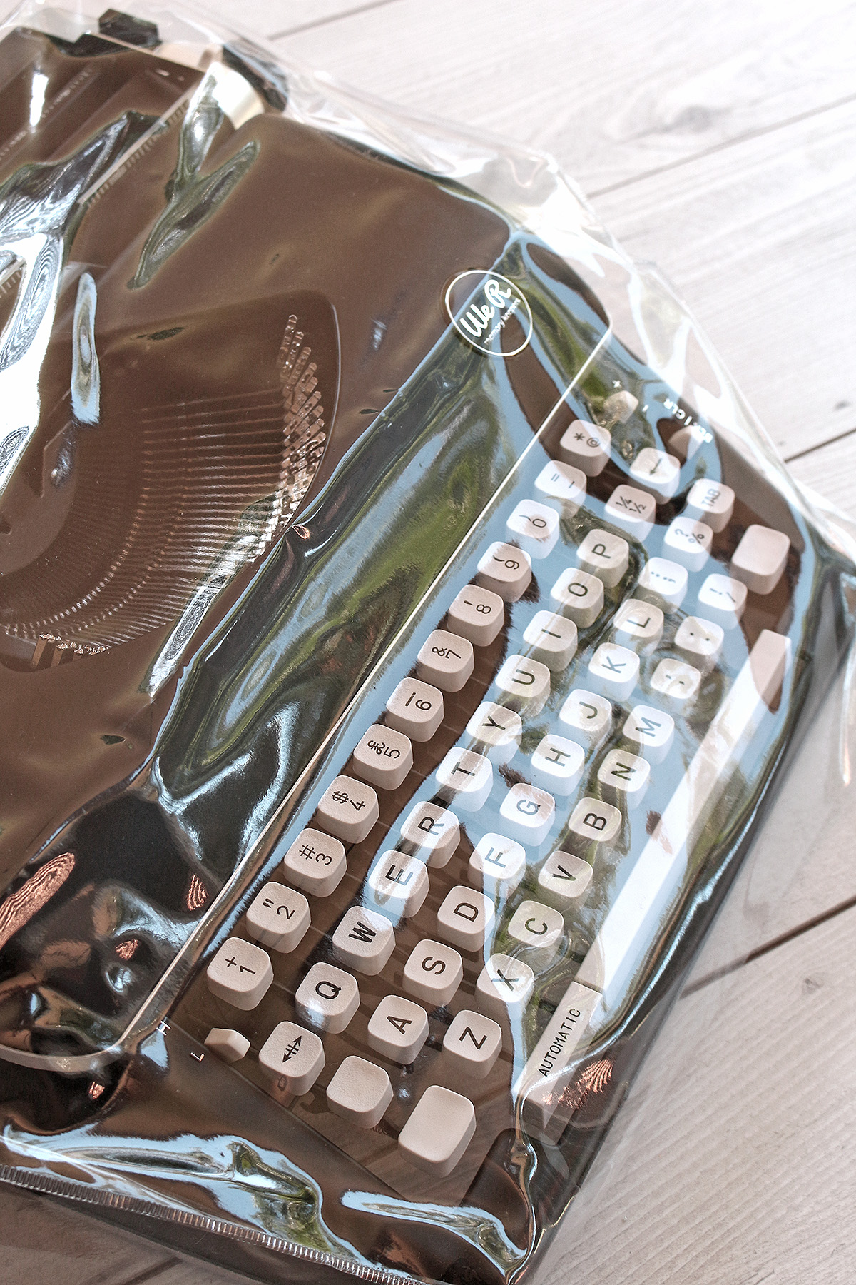 Typecast Typewriter and Cover by We R Memory Keepers