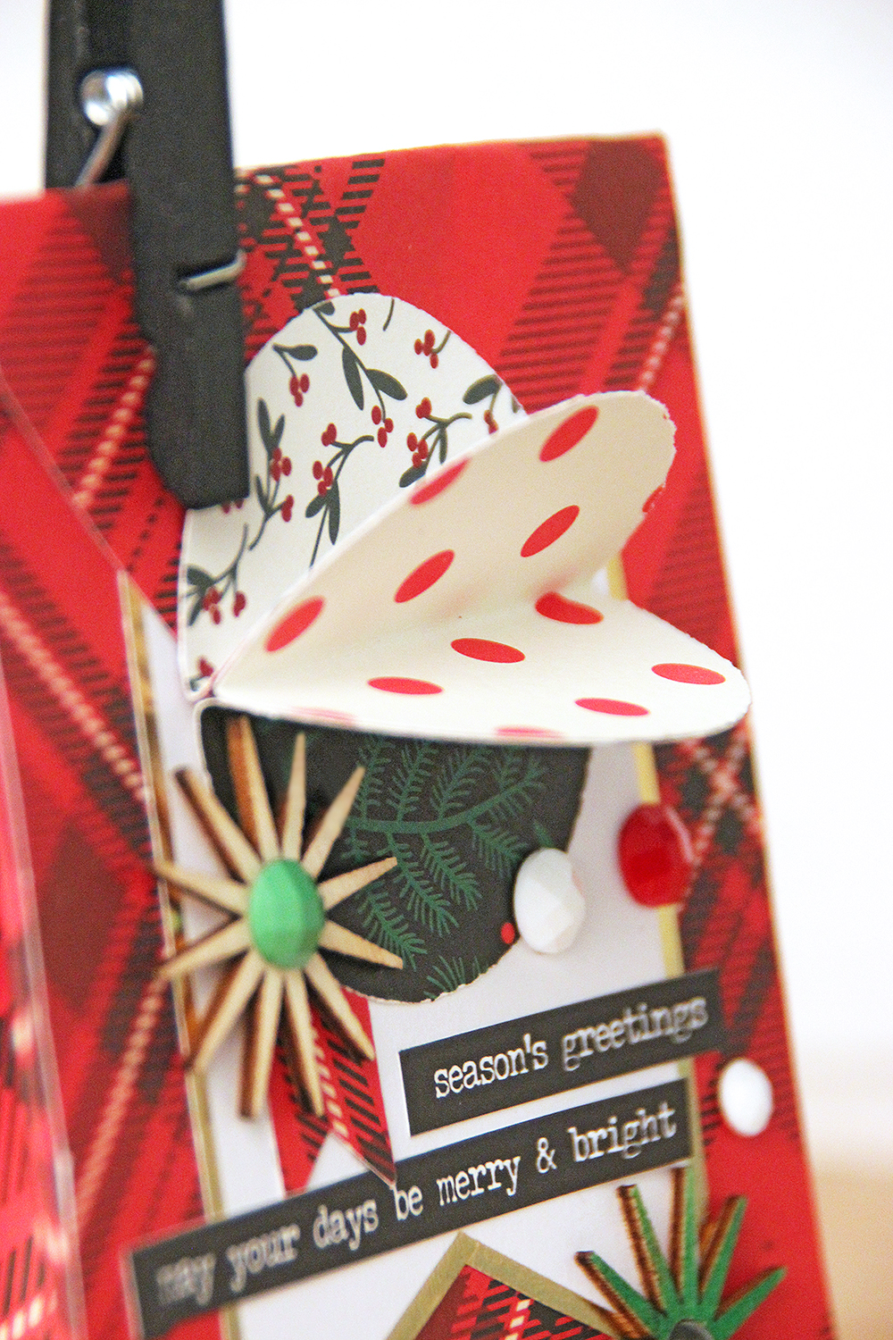 Holiday Gift Bags by Chantalle McDaniel featuring the We R Memory Keepers Clear Cut Circle Punch