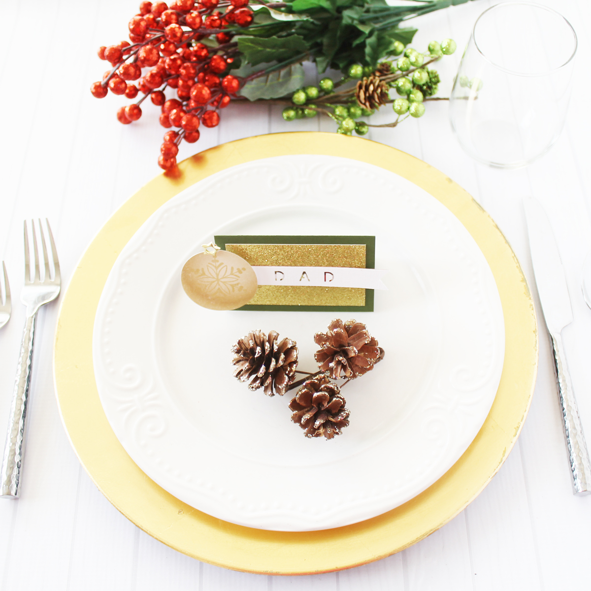 Holiday Place Cards with the Word Punch Board by Laura Silva for We R Memory Keepers