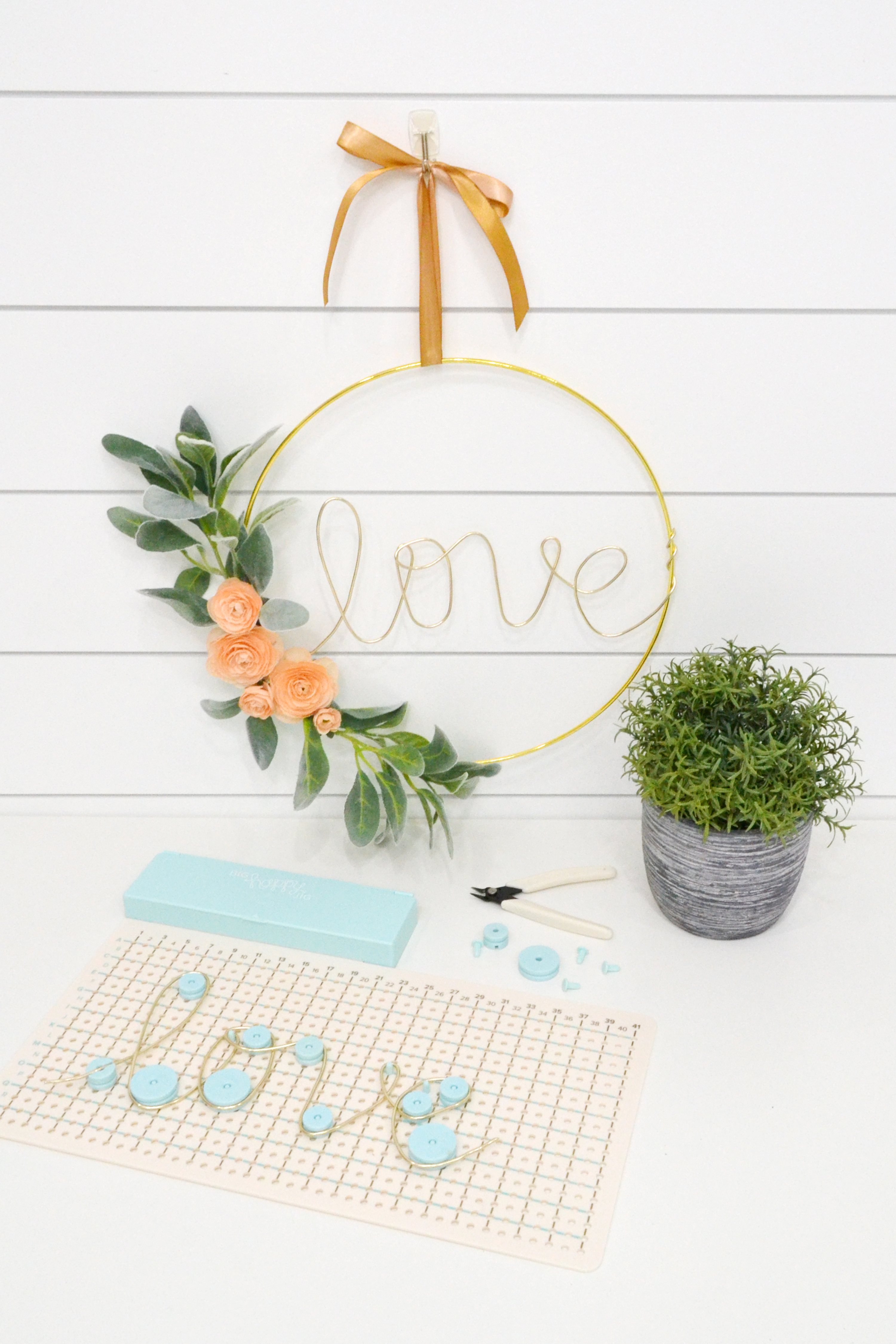 big happy jig hoop wreath by aly dosdall for we r memory keepers 8