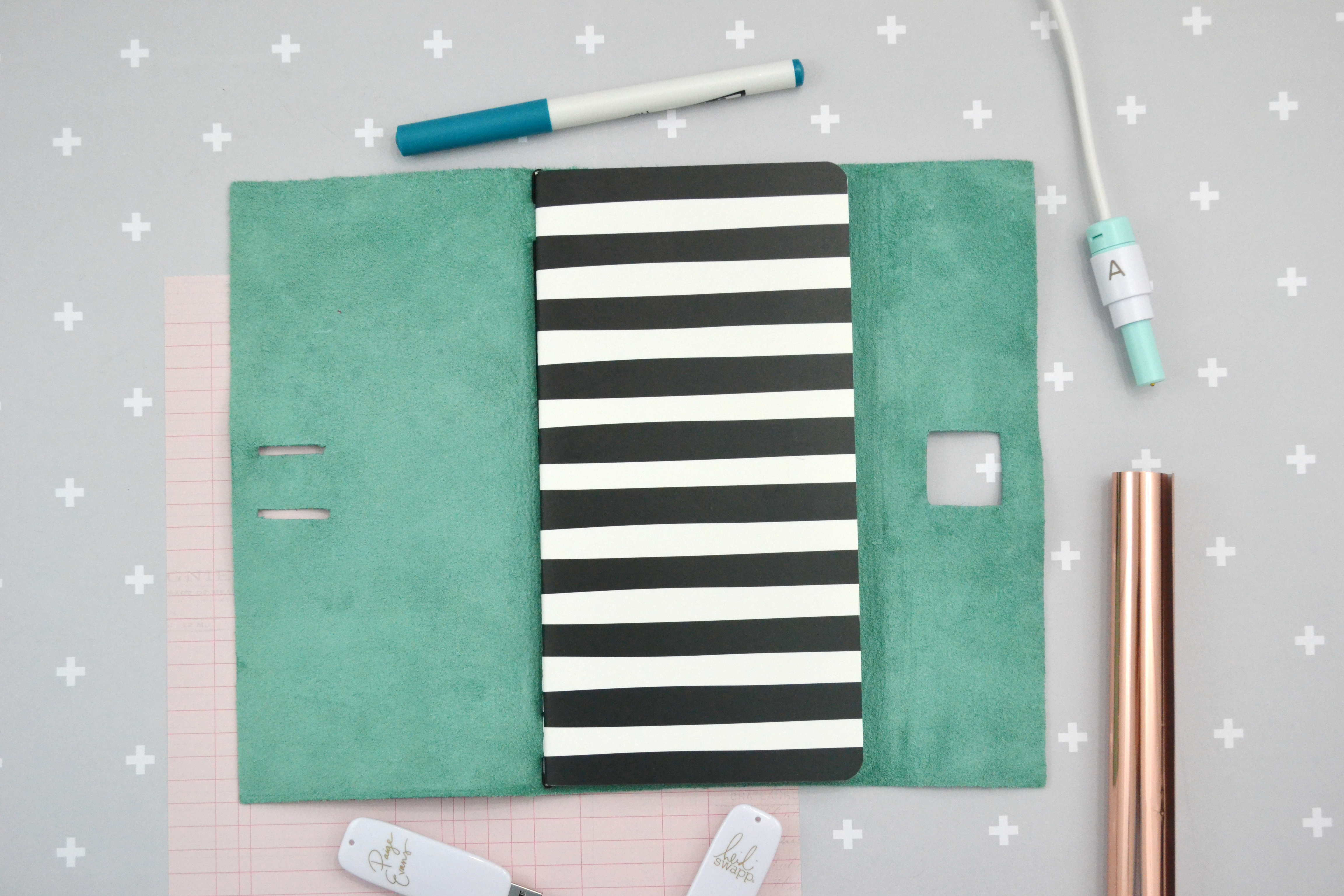 DIY Traveler's Notebook Leather Cover by Aly Dosdall featuring the We R Memory Keepers Foil Quill