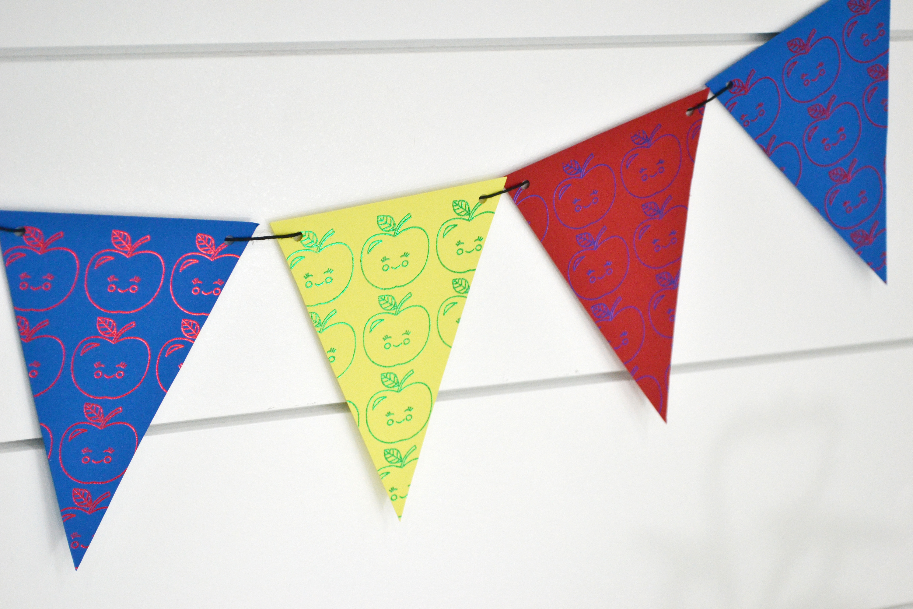Foil Quill Back to School Party by Aly Dosdall for We R Memory Keepers 6