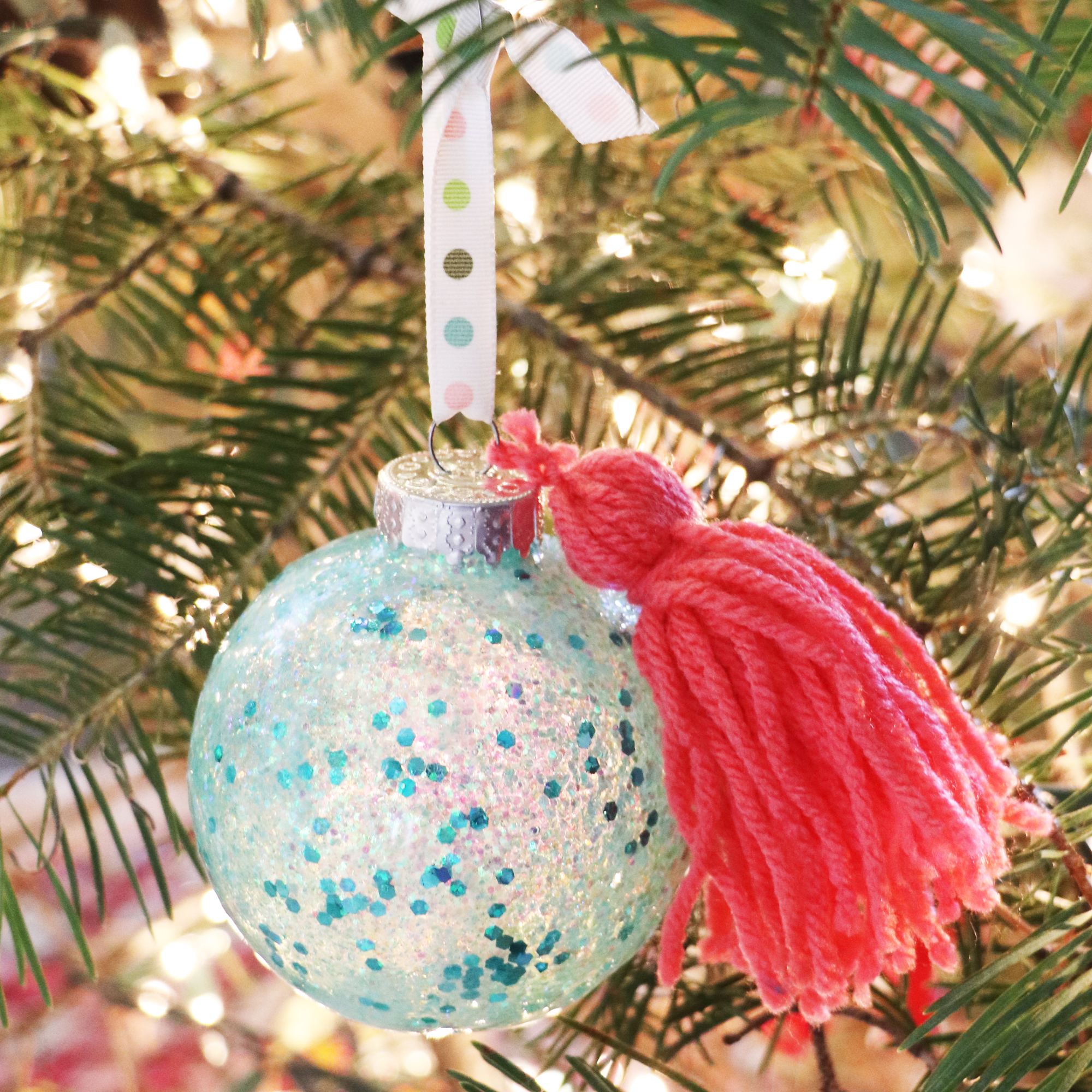 DIY Ornaments with the Spin It Ornament Arm by Laura Silva for We R Memory Keepers
