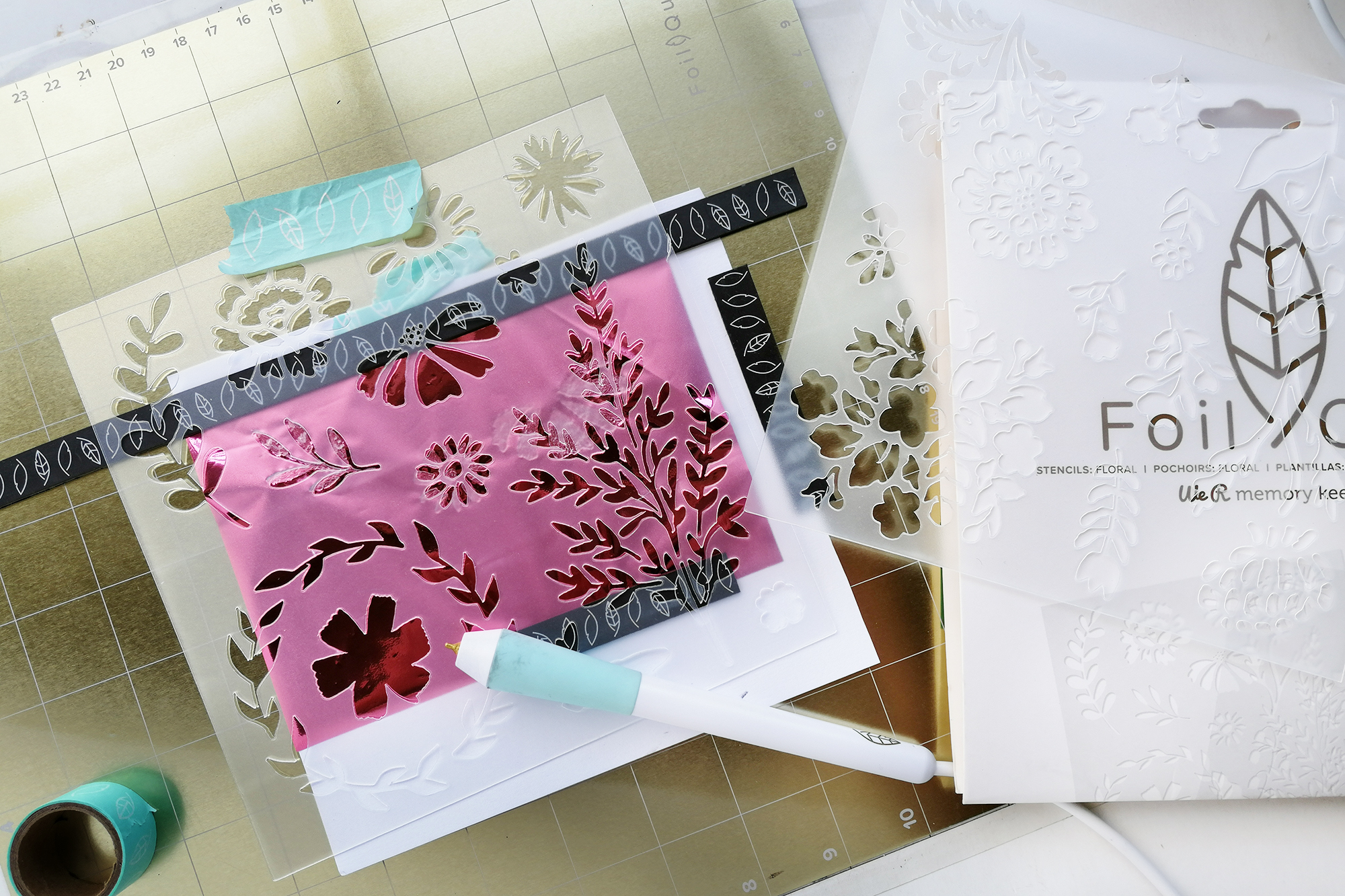 Free-Style-Foil-Quill-Layout-By-Eva-Pizarro-2