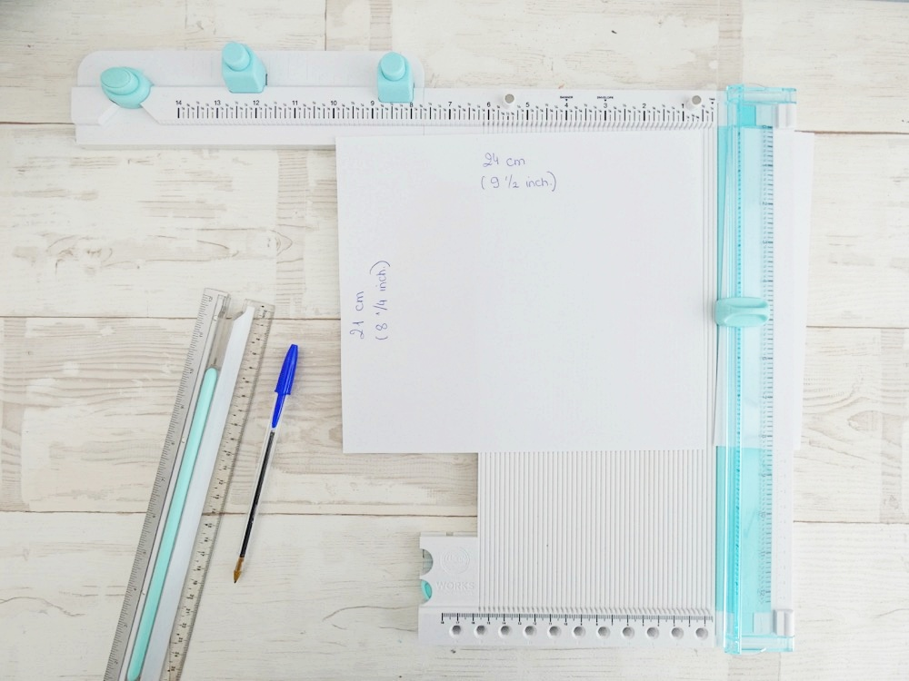 Make a Traveler's Notebook with the All In One Tool by We R Memory Keepers!