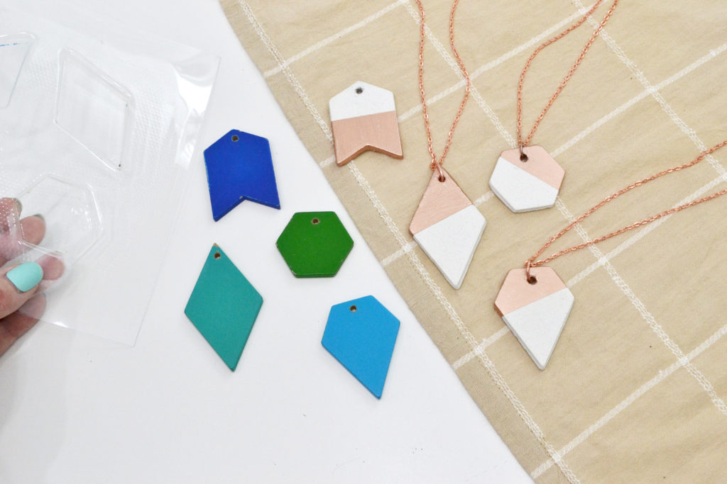 Make your own modern jewelry with the Mold Press by We R Memory Keepers