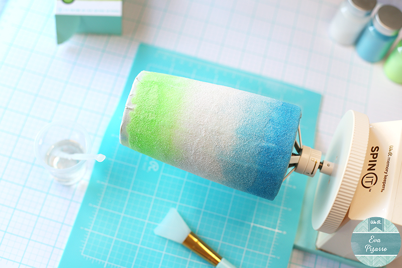Create a glow in the dark tumbler with the Spin it machine by @wermemorykeepers and this tutorial from @evapizarrov