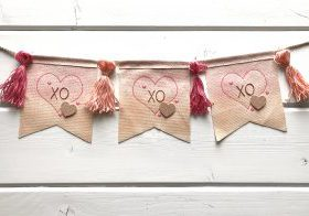 fabric-quill-valentines-banner-kimberly-crawford-1